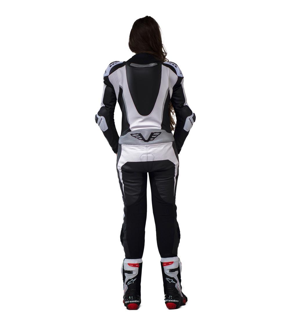 dettaglio retro tuta moto donna racer lady